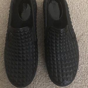 Shoes - Pre-owned Michael Kors Slip on Sneakers